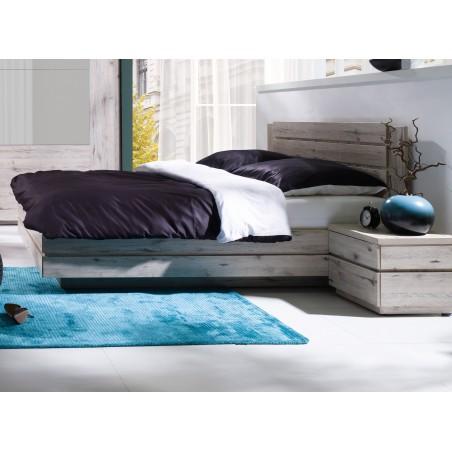 Ensemble RICCARDO pour chambre à coucher. Lit 180x200 cm, chevets, sommier, armoire 200 cm à portes coulissantes.
