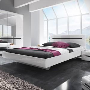 Chambre à coucher LUCIA : Armoire 4 portes + Lit 180x200 + 2 Chevets. Couleur blanc, style design