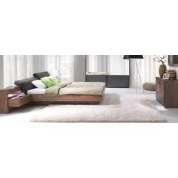 Ensemble design pour chambre à coucher RENATO. Lit avec sommier 180x200 cm, tables de chevet intégrées, commode