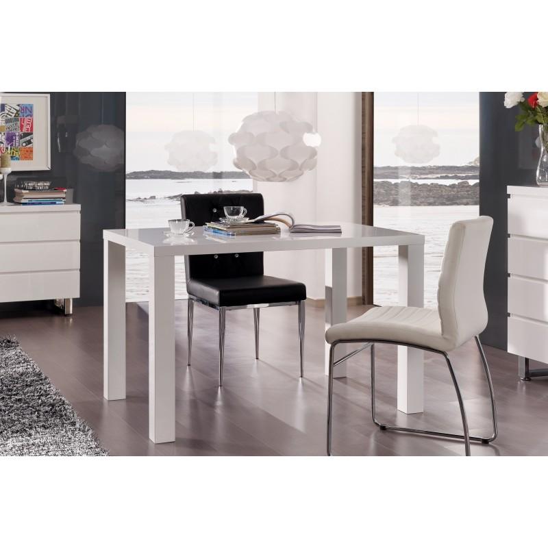 TABLE DE SALLE À MANGER Table GOZO blanche laquée. Élégante par son...