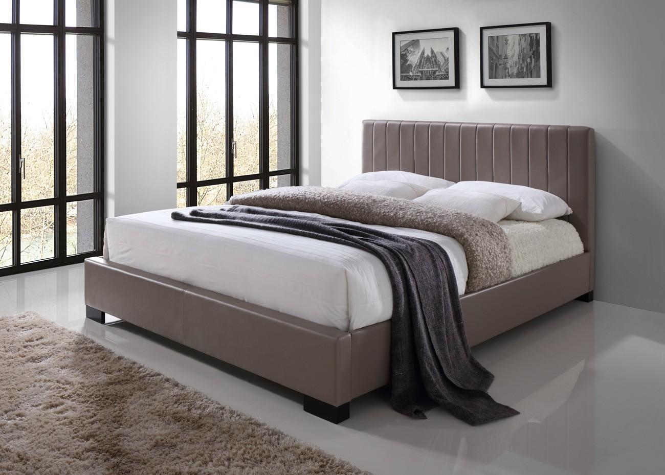 lit deux places lit xeno 140x200 cm en simili cuir. Black Bedroom Furniture Sets. Home Design Ideas