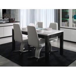 Table à manger et chaises...