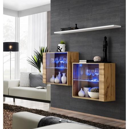 Ensemble meubles de salon SWITCH SBIII design, coloris chêne Wotan et porte vitrée avec système LED intégré, étagère blanche.